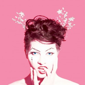 Amanda Palmer paying with love